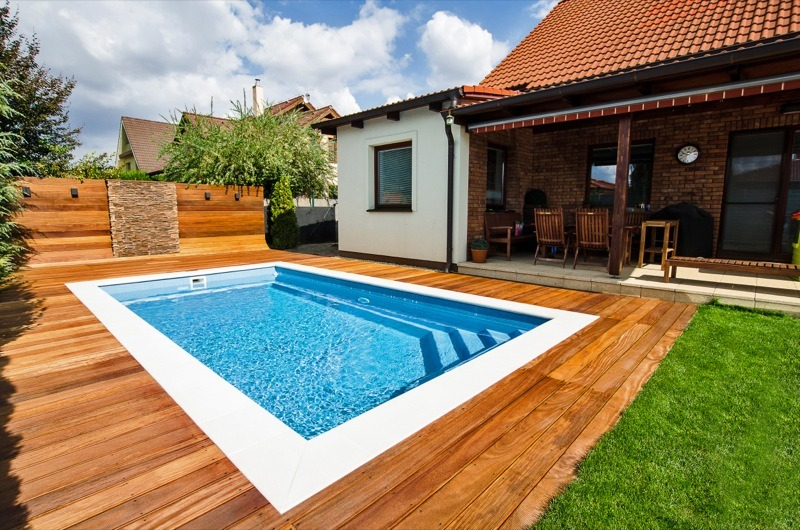 How much does it cost to build an outdoor swimming pool for Pool construction cost