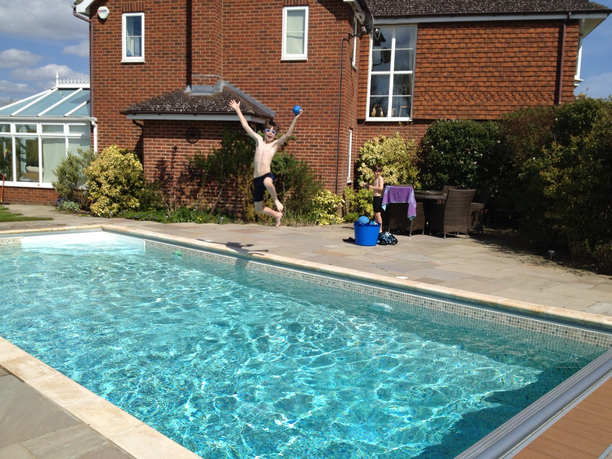 How Much Will It Cost To Renovate My Swimming Pool