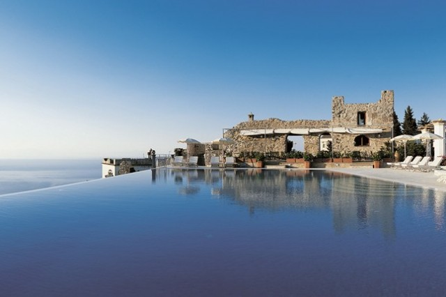 The world 39 s most amazing swimming pools for Hotels in ravello with swimming pool