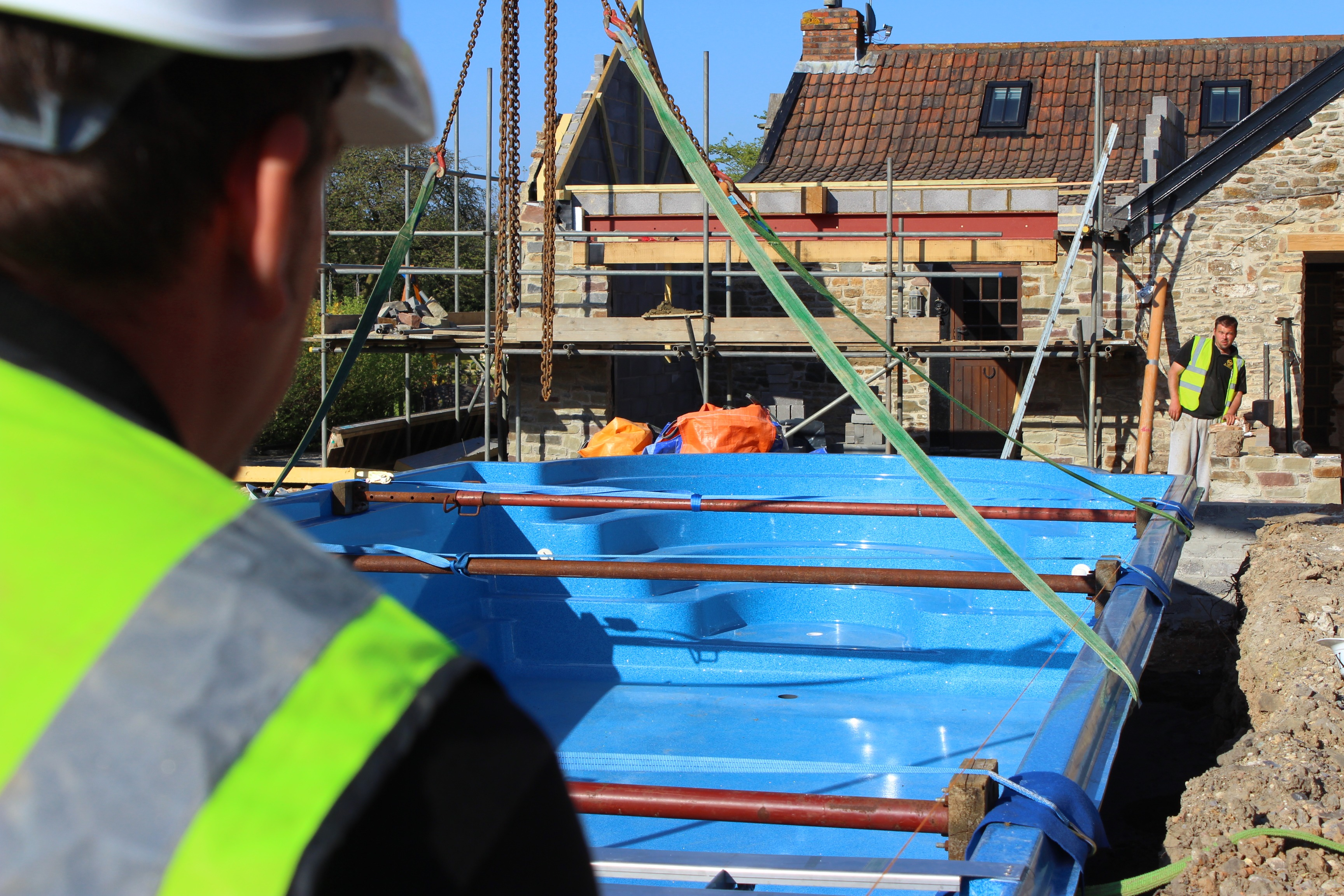 How Long Does It Take To Install An Outdoor Swimming Pool